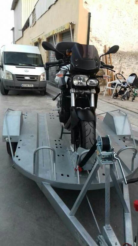 Imagen alquiler remolque motos