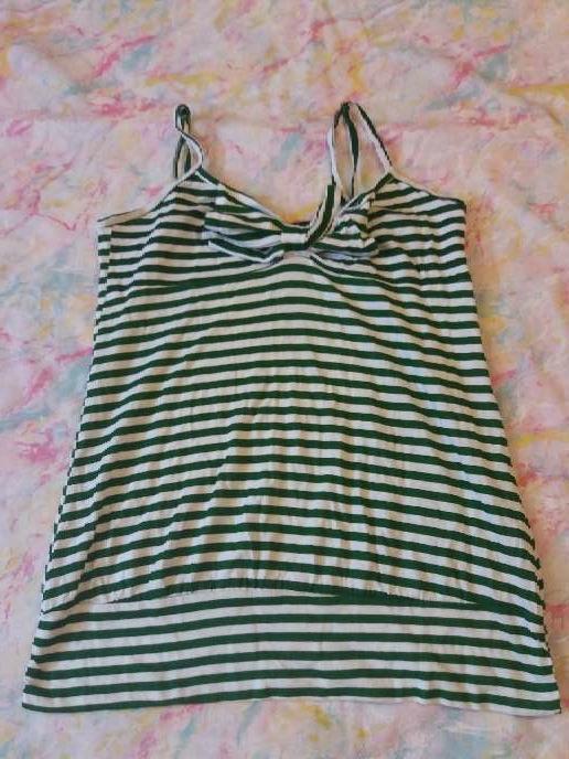 Imagen camiseta de tirantes verde y blanca