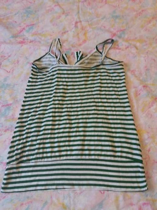 Imagen producto Camiseta de tirantes verde y blanca 2