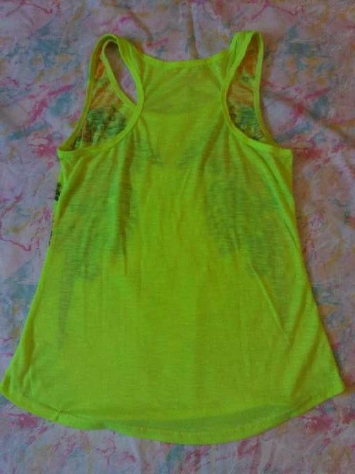 Imagen producto Camiseta de tirantes amarillo fosforito 2