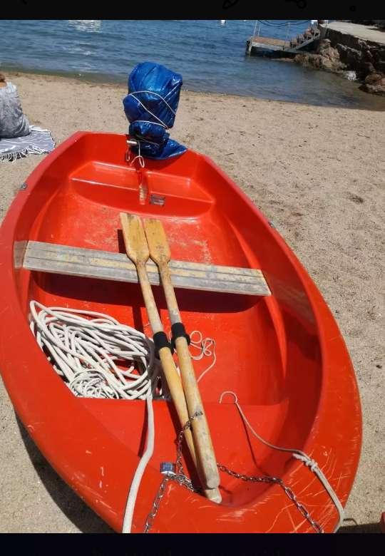 Imagen producto Barca de 2'6 con motor 4cv 2