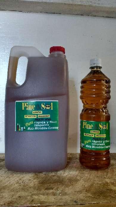 Imagen pinesol galón y litro