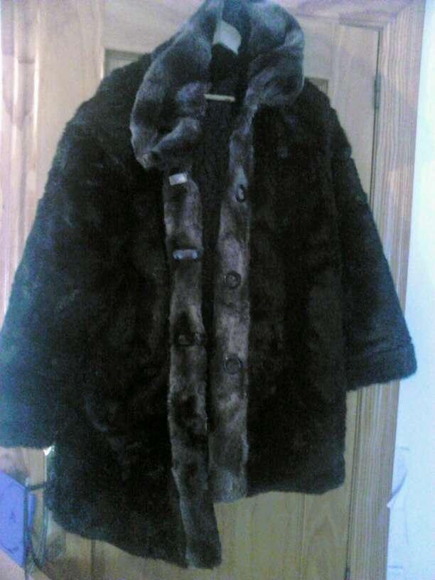 Imagen vendo dos abrigo de piel