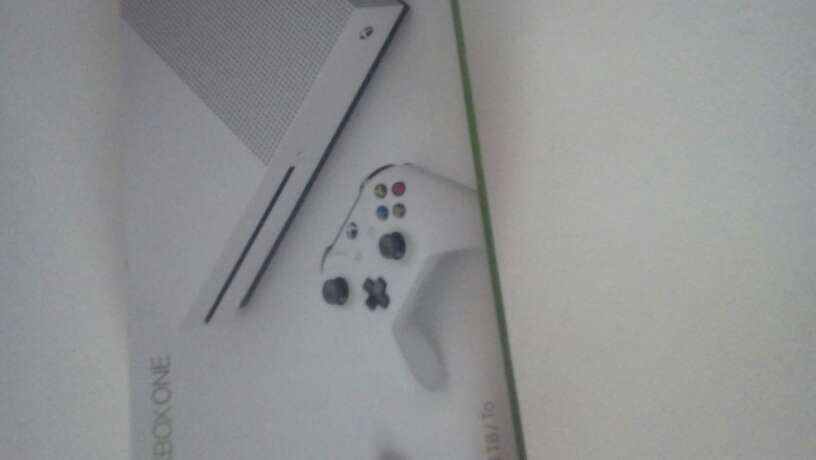 Imagen producto X box one s 1tb 6