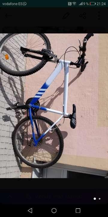 Imagen se vende bicicleta muy buen precio (negogiable).
