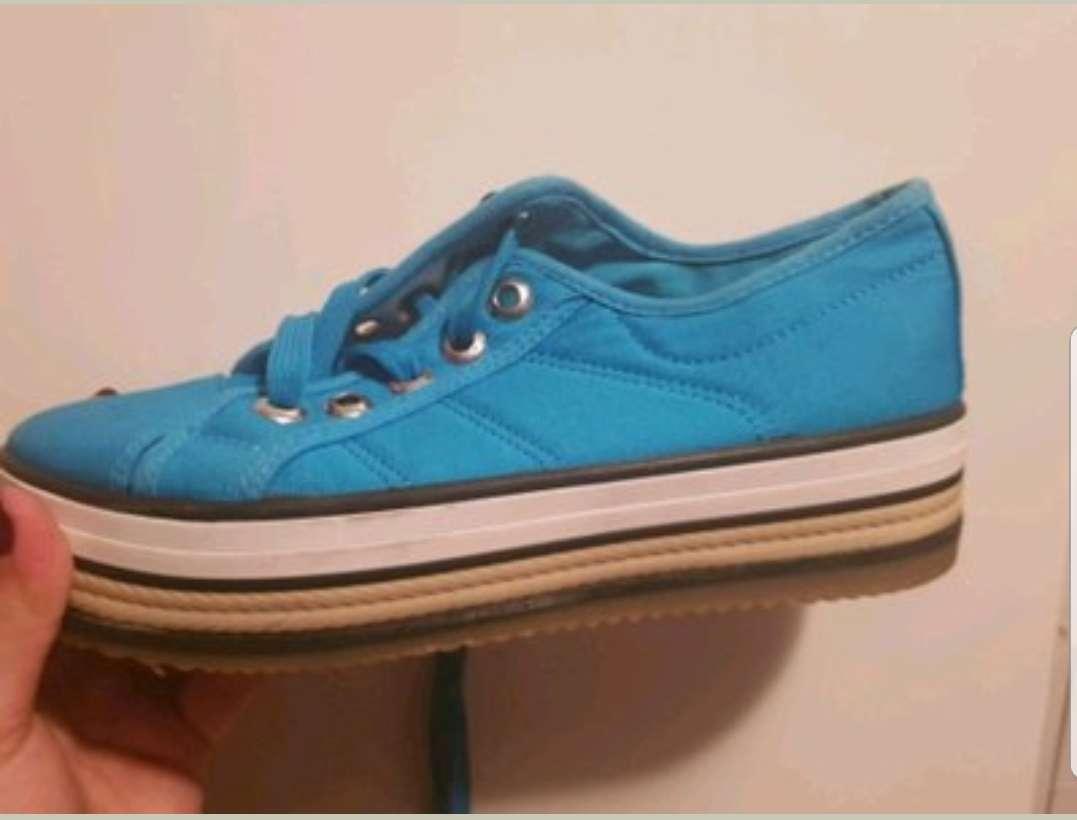 Imagen producto Zapatillas azules  1