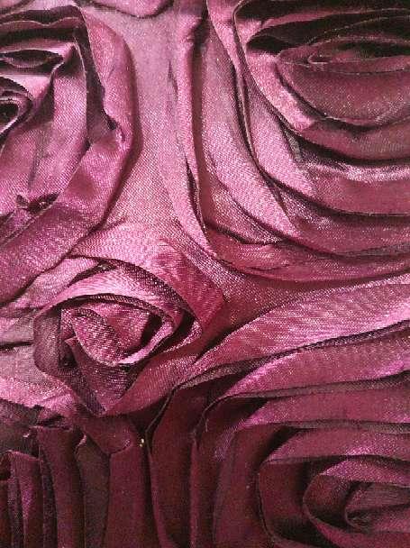 Imagen producto Par de cojines lilas y uno gris plateado 6