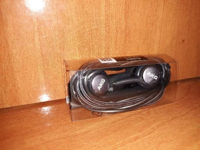 Imagen producto Auriculares AKG para S8 y S9  3