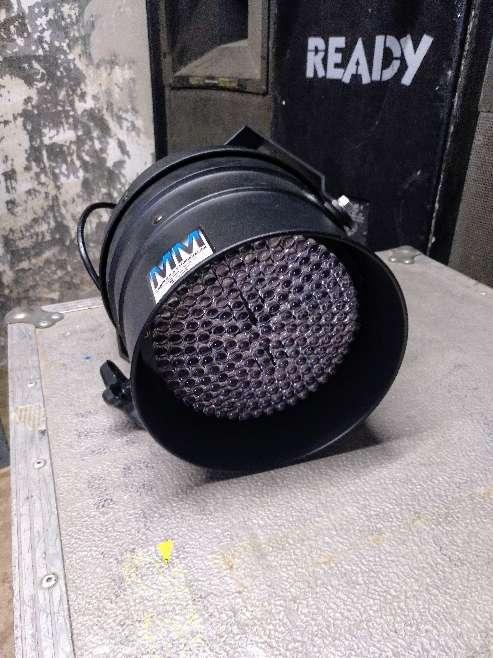 Imagen producto Focos LED DMX (Diferentes colores) 2