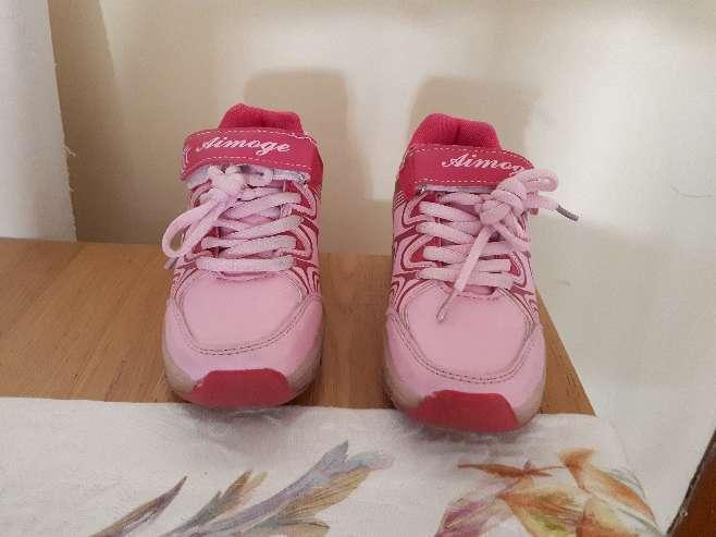 Imagen producto Zapatillas con ruedas y luces talla 29 5