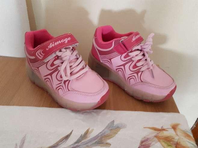 Imagen producto Zapatillas con ruedas y luces talla 29 4