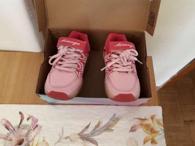 Imagen producto Zapatillas con ruedas y luces talla 29 3