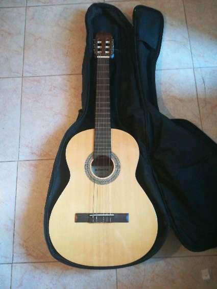 Imagen producto Guitarra clásica  2