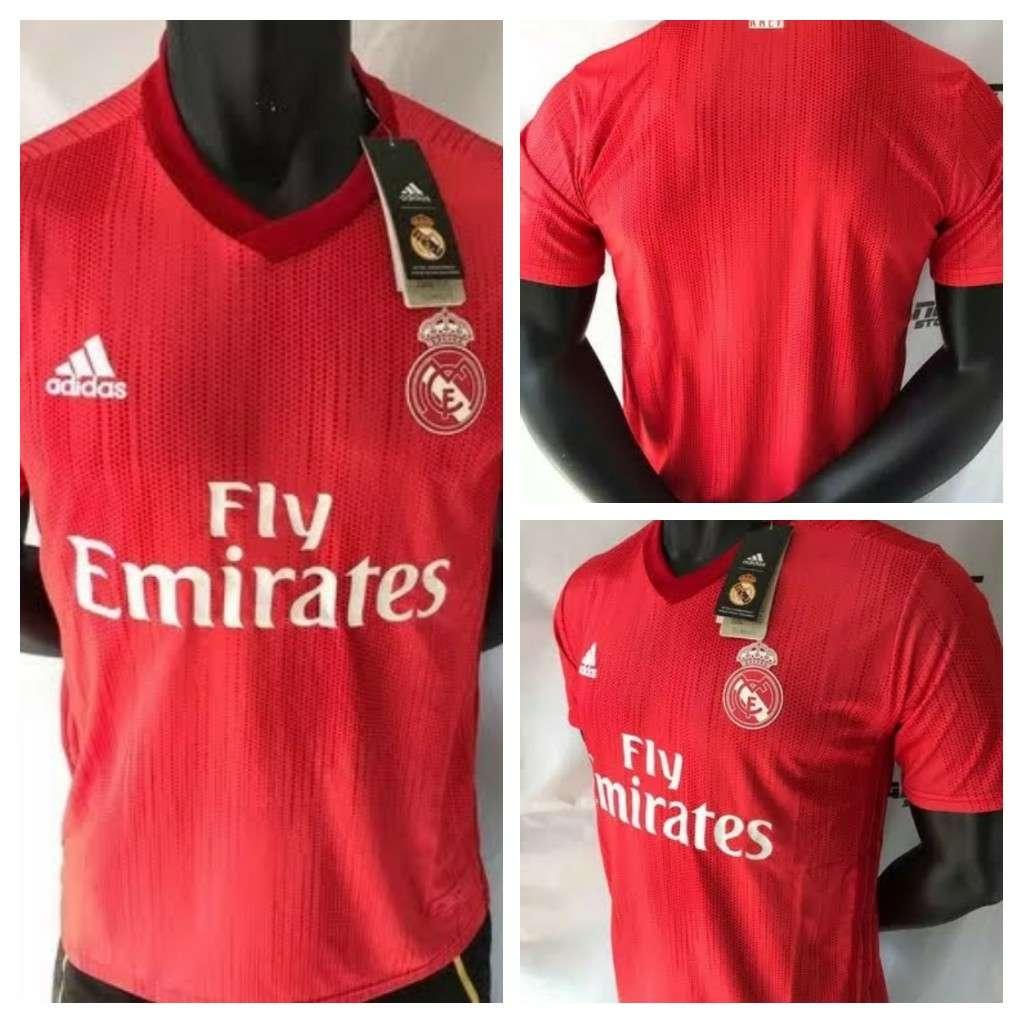 Imagen Camisetas del Real Madrid coral 2019