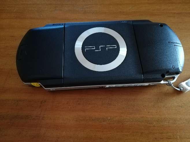 Imagen producto Videoconsola PSP + 3 juegos 3