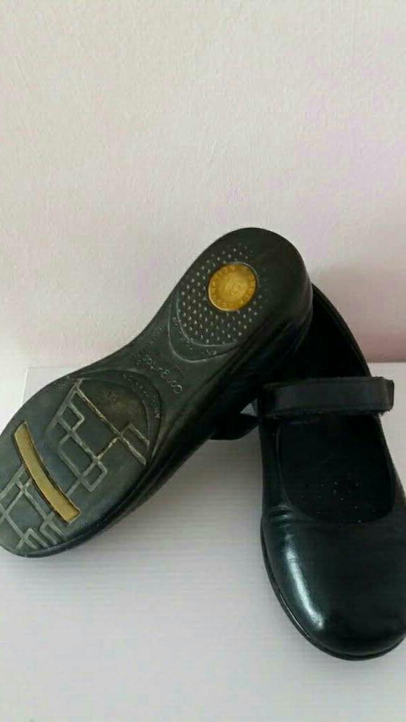 Imagen producto Zapato niña colegial.N° 31 5