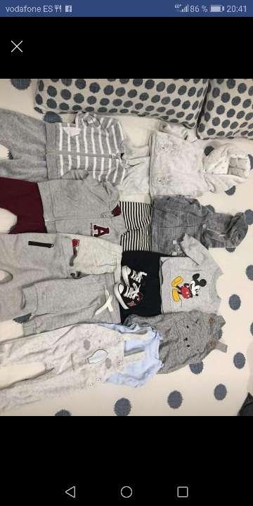 Imagen ropa de bebé