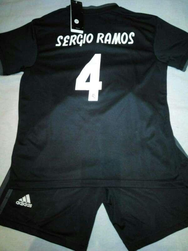 Imagen Conjuntos niños Real Madrid 2019 negras