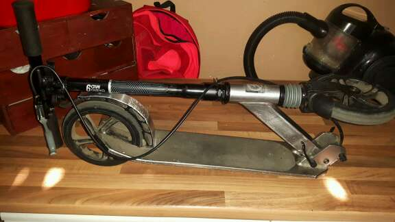 Imagen producto Cambio este escutte por una bicicleta de montaña de talla grandes o también lo puedo vender 2