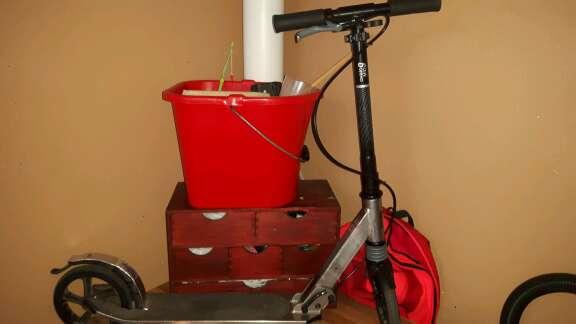 Imagen producto Cambio este escutte por una bicicleta de montaña de talla grandes o también lo puedo vender 3