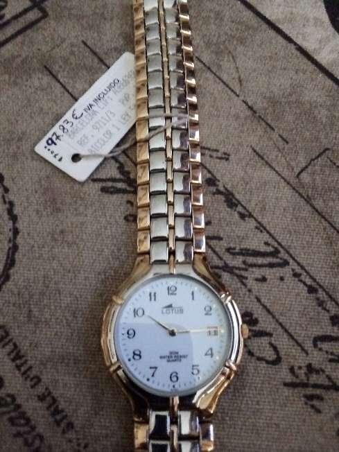 Imagen Reloj Lotus chapado nuevo