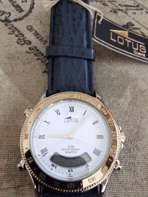 Imagen producto Reloj Lotus vintage digital y analógico  1