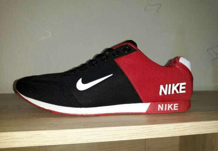 Imagen Nike mujeres y hombres