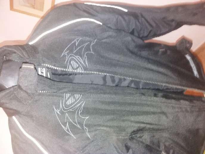 Imagen chaqueta moto mujer reservada