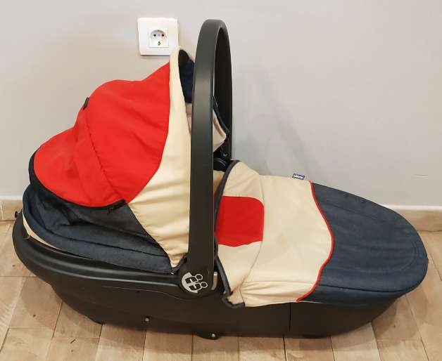 Imagen producto Trío Chicco bebé (Maxicosi + silla paseo + capazo) 9
