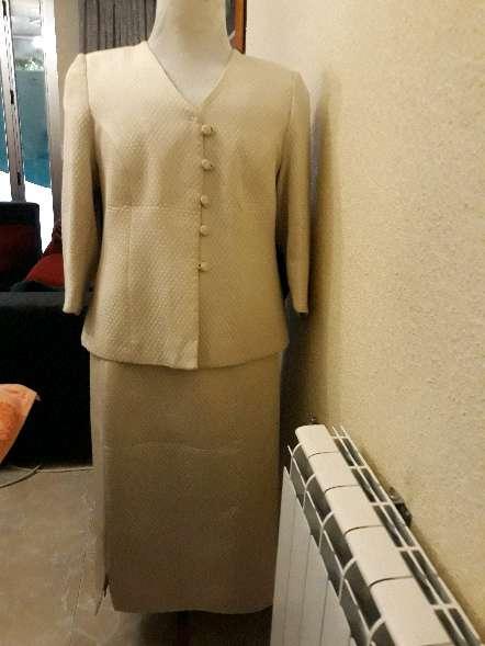 Imagen conjunto de chaqueta y falda