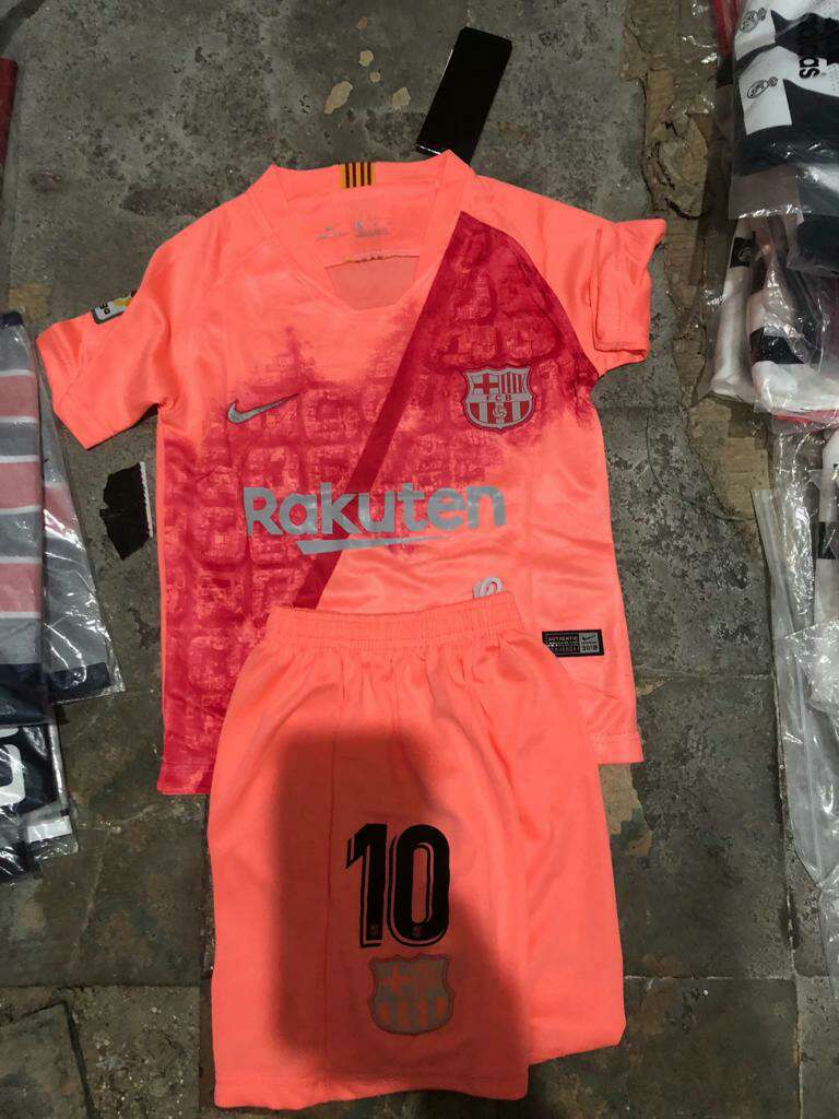 Imagen Conjuntos niños Barcelona 3 equipacion 2019