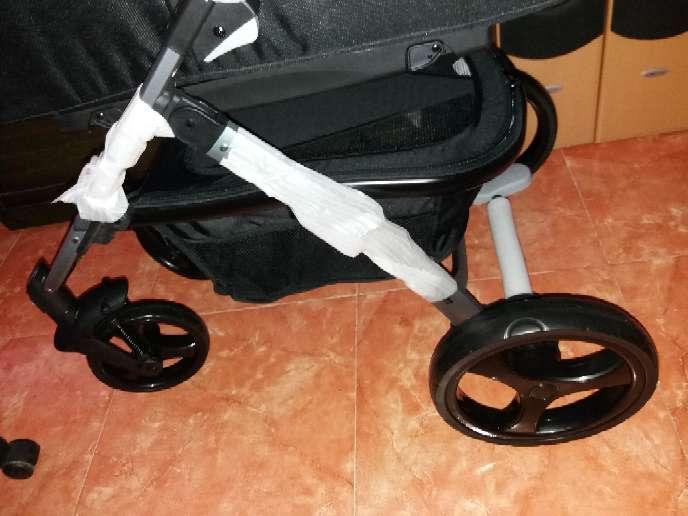 Imagen producto Carro nuevo solo use cuco dos meses 7