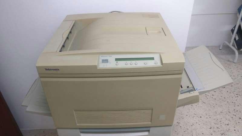 Imagen producto Impresora láser a color TEKTRONIC 2