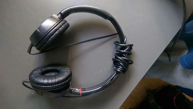 Imagen cascos Sony nuevos