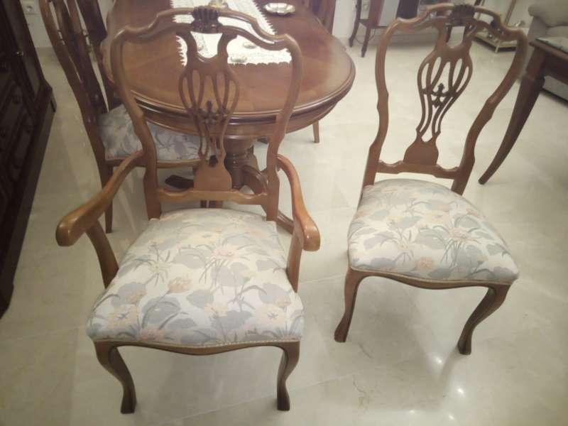 Imagen 2 Sillones y 4 sillas madera clásicos