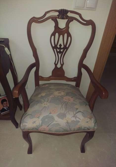 Imagen producto 2 Sillones y 4 sillas madera clásicos 3