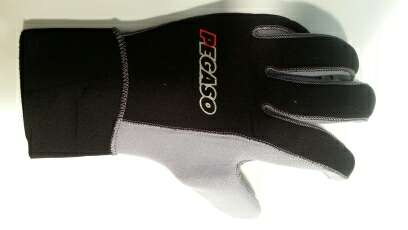 Imagen producto Guantes de neopreno 5mm nuevos marca Pegaso. 2