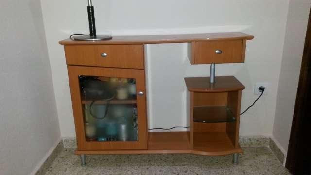 Imagen Mueble de entrada en perferfecto estado. 92 cm ancho, 72 cm alto y 23 cm fondo.