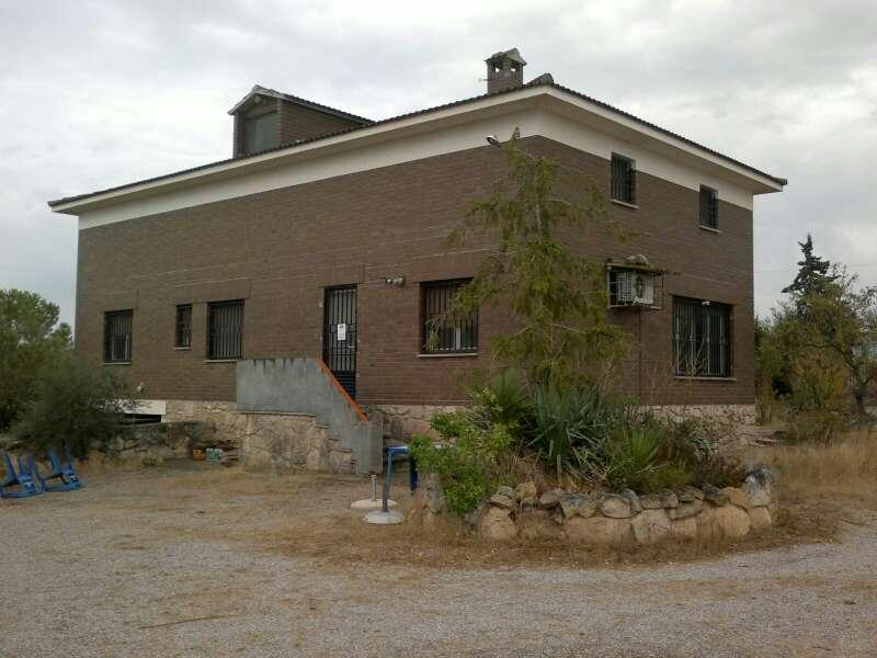 Imagen producto Casa con terreno rústico en L'albi, Llerida 1