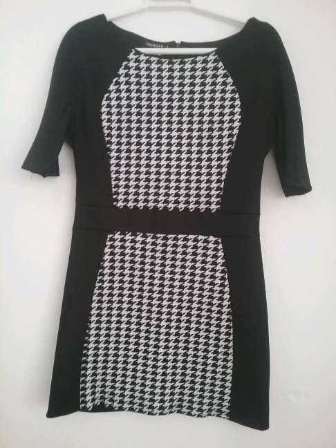 Imagen vestido negro y blanco