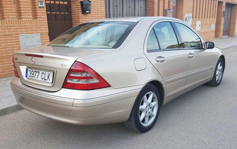 Imagen producto Mercedes benz clase c 270 CDI avamgarde 2