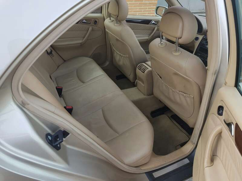 Imagen producto Mercedes benz clase c 270 CDI avamgarde 5