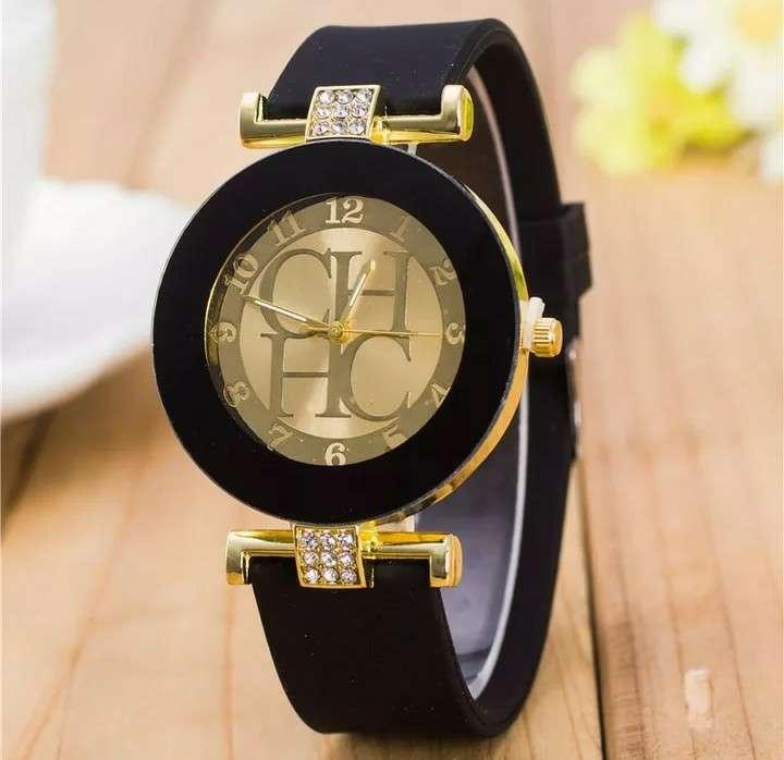 Imagen Reloj CH Nuevo. Correa de silicona
