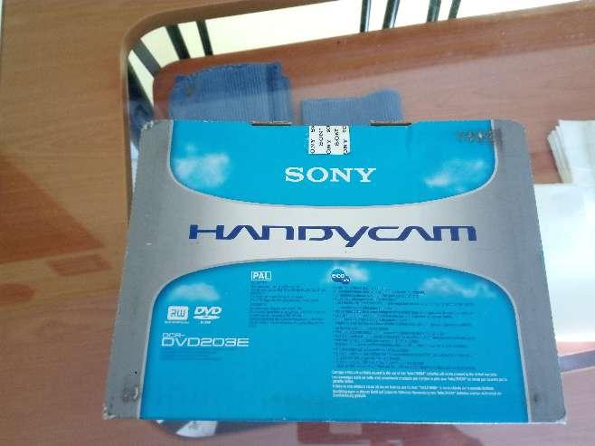Imagen producto SONY HANDYCAM DCR-DVD203E 2
