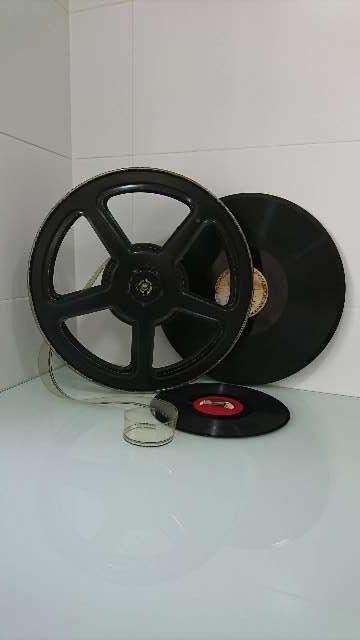 Imagen producto Carrete de proyector de cine y discos de acetato.  2