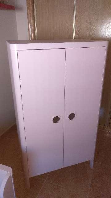 Imagen armario infantil niña Ikea busunge rosa