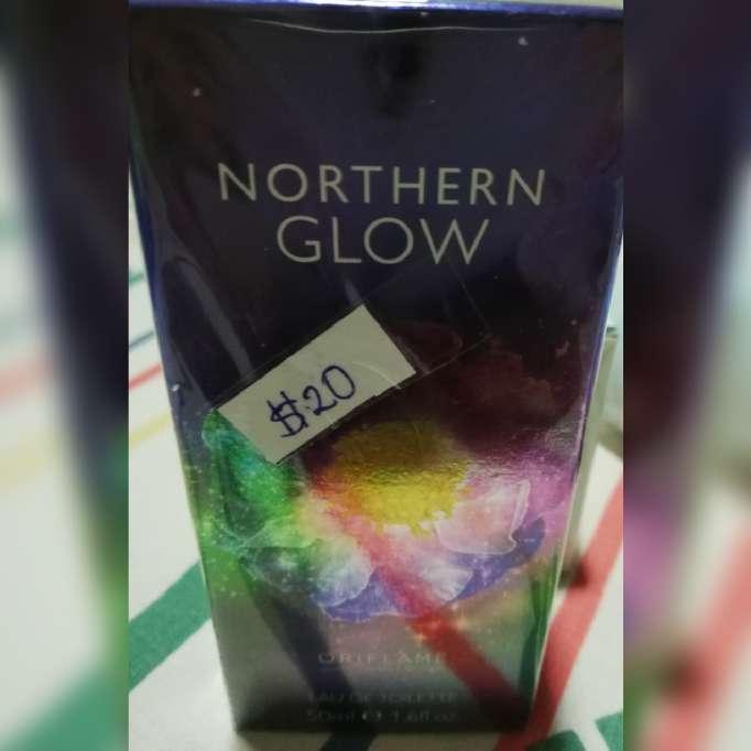 Imagen producto Perfumes, maquilla y hermosa cartera 7