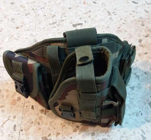 Imagen Funda pistola airsoft ajustable pierna y cintura. Camuflaje woodland