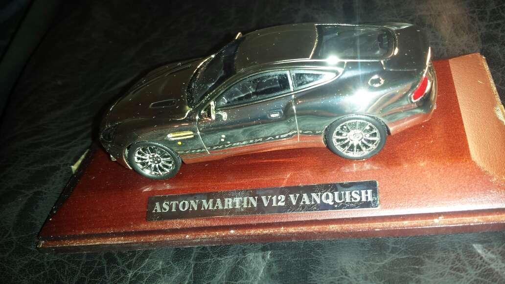 Imagen coche en plata