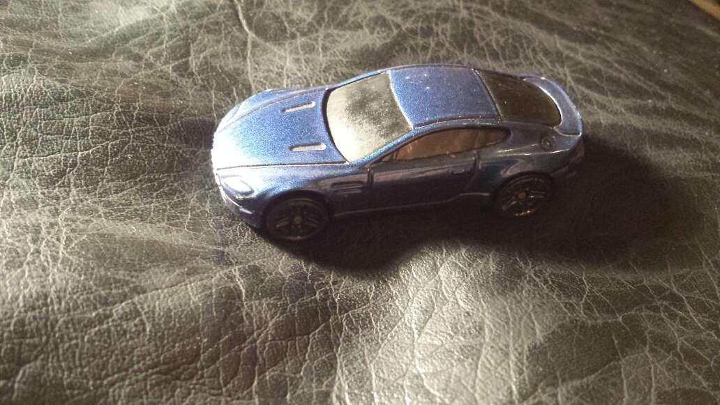 Imagen coche azul metalizado